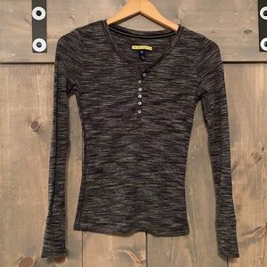 Prince & Fox gray heather ribbed Henley top small